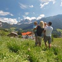 """Sehnsucht Bauernhof: Zehn Argumente für Südtirol-Ferien mit """"Roter Hahn"""""""