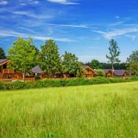 Sommer-Auszeit im Luxus-Chalet mit Garten und Privatwellness