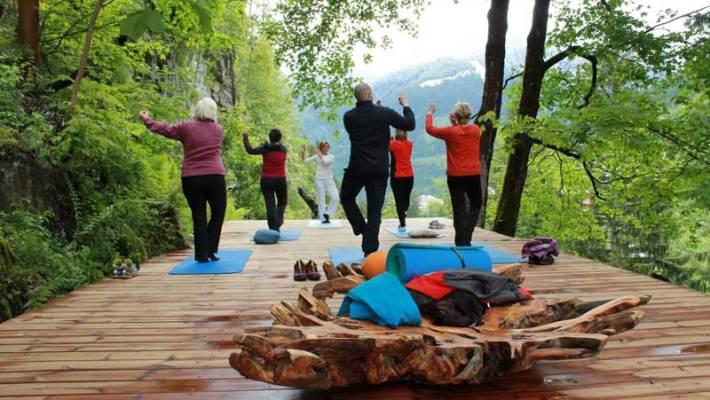 Back to the Roots mit Yoga, Wellness und Selfness im Alpenhaus Gasteinertal
