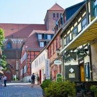 Zwischen Backsteinidyllen und maritimer Baukultur in der Mecklenburgischen Seenplatte