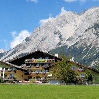 """Geheimtipps für Alpen- und Weinfans: urlaubsbox """"Zauberhaftes Österreich"""""""