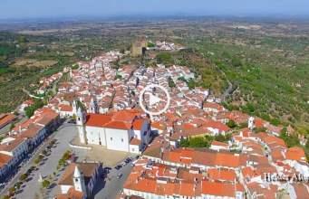 Castelo de Vide vista do céu (Ultra Alta Definição)