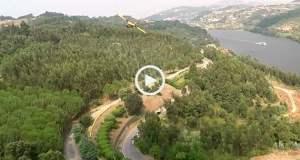 Canadair (quase) choca com drone no Douro