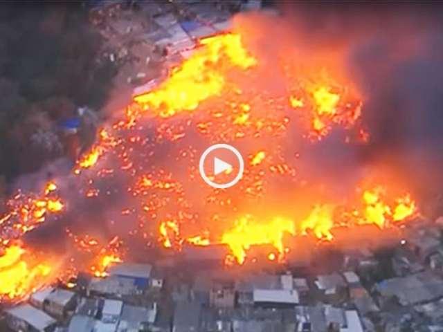 Incêndio consome favela e destrói mais de 500 habitações