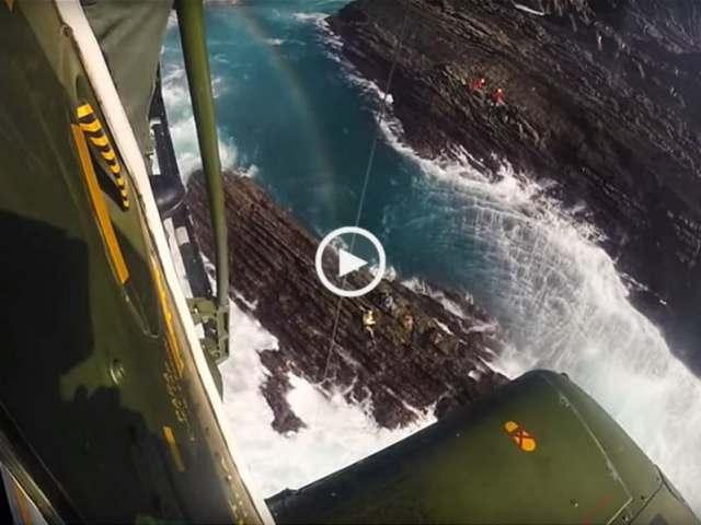 Resgate de mariscador na Pedra da Atalaia!
