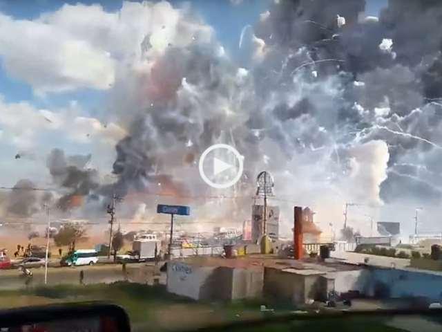 Brutal Explosão Fábrica de Fogos de Artifício no México!