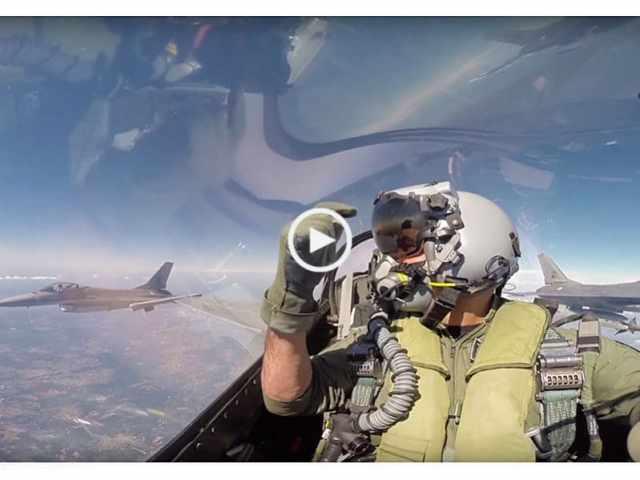 Voando num F16 em Portugal