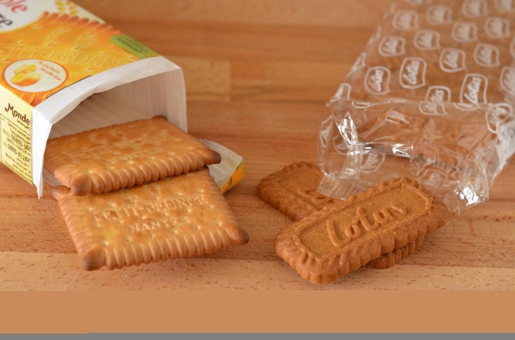 na sušenkový základ použijeme směs máslových sušenek a sušenek speculoos