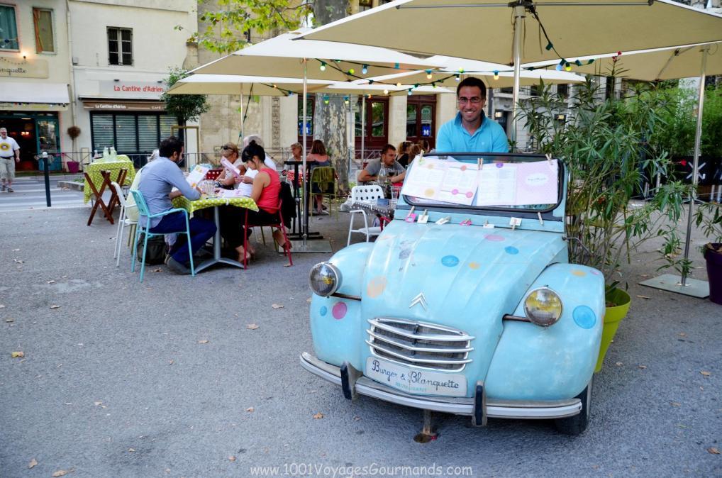 kavárničky podél esplanády, Montpellier