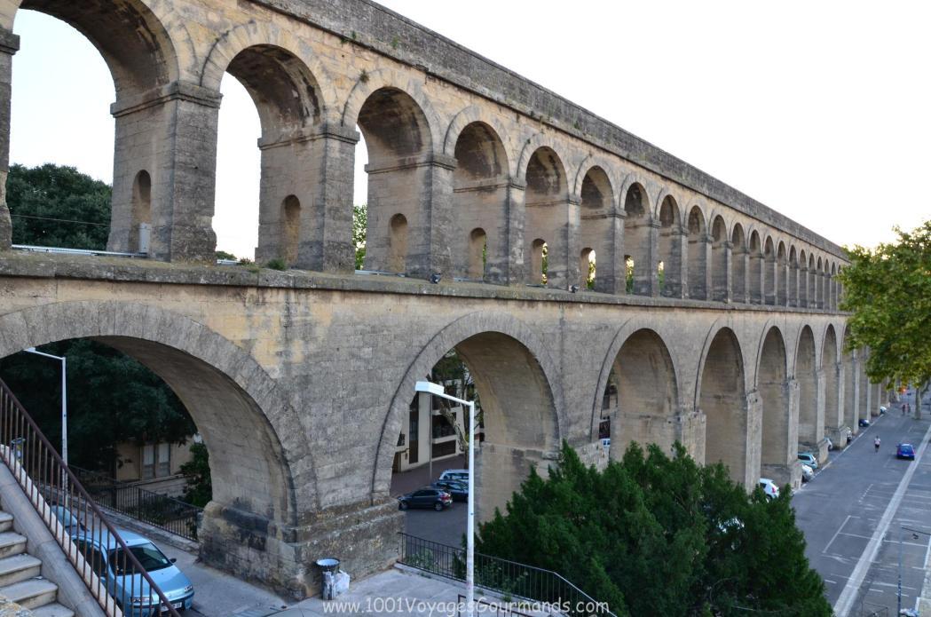 akvadukt, který zásoboval vodou vodní hrádek