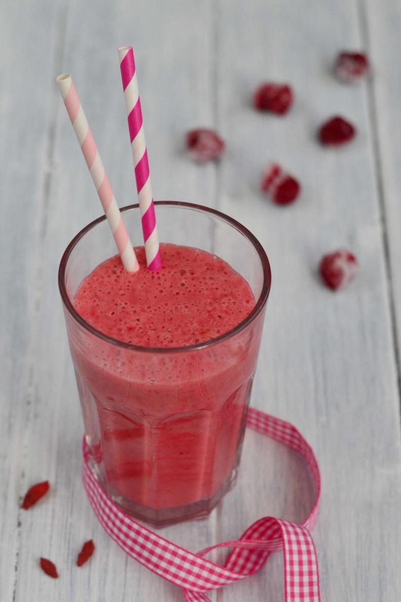 Další smoothie, který si klidně můžete dát jako lehčí snídani, nebo jako zdravou přesnídávku.