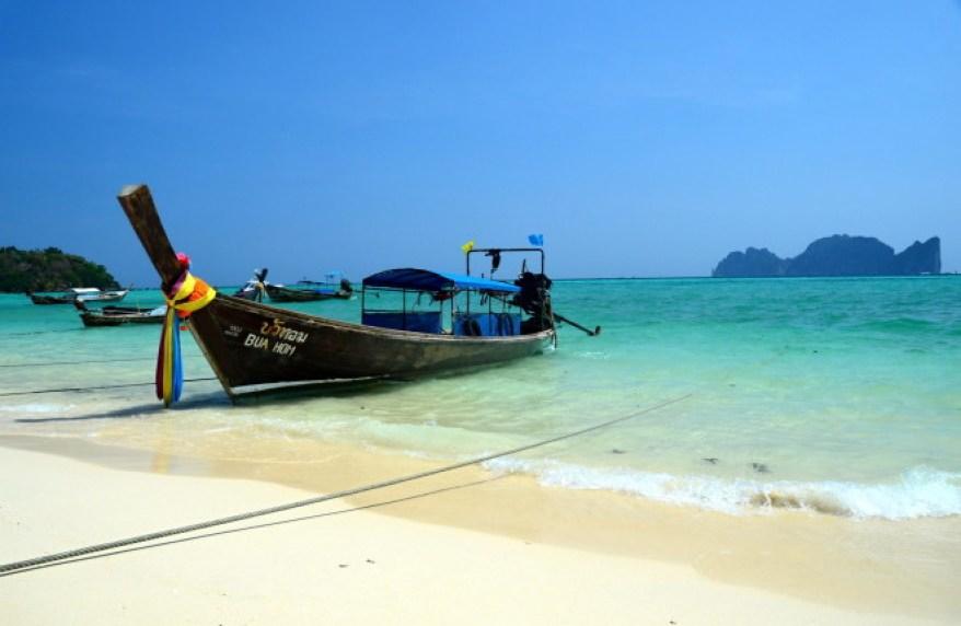 co potřebujete vědět o ostrovech Ko Phi Phi než se tam vydáte, jak se dostat na Ko Phi Phi, kde se ubytovat a co tam dělat