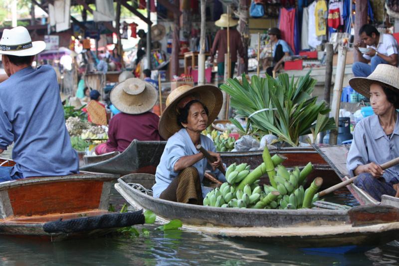 Tady je našich 10 tipů na to, co vidět a zažít v Bangkoku na základě našeho výzkumu před výletem a doufám, že se vám to třeba také bude hodit!