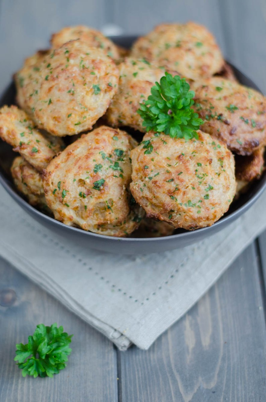 Soft Cheddar Bay Biscuits topped with a mixture of melted butter, garlic powder and parsley are great as an appetizer but also to go with seafood or soups.