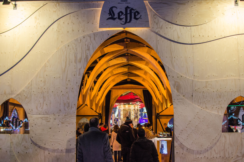 Visiting Belgium during the Advent period? Let me show you what to expect from Christmas in Brussels and what the Christmas markets in Brussels look like.