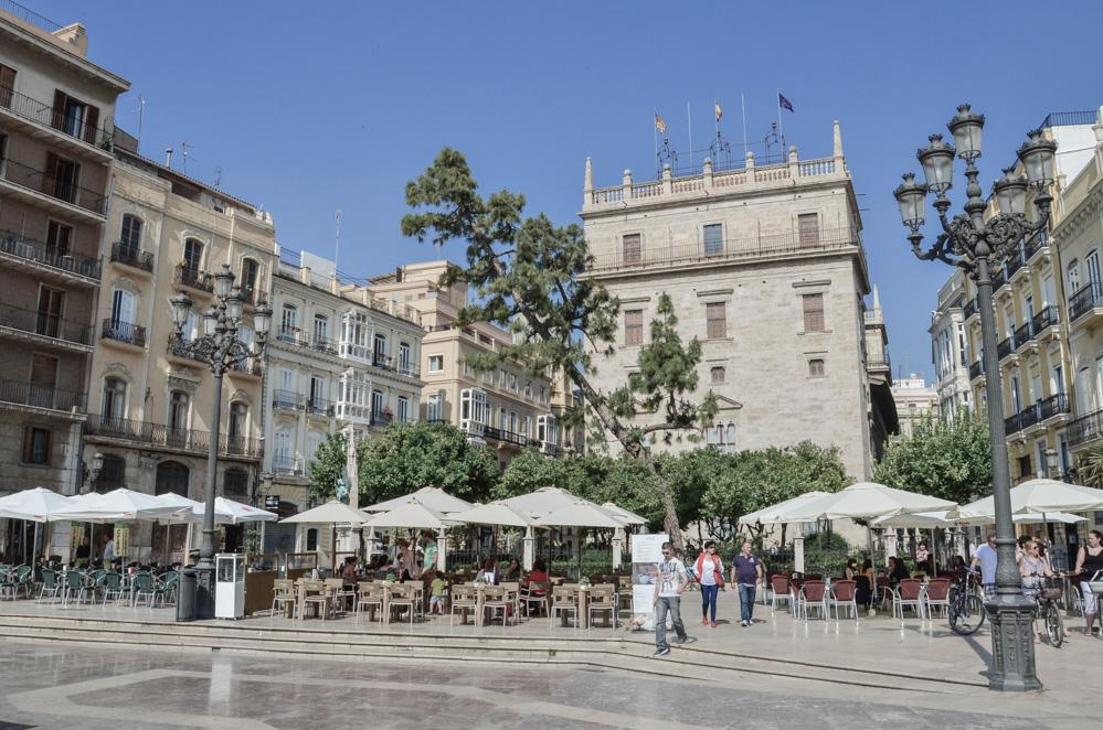 Pár tipů na to, co vidět a podniknout ve Valencii, hlavním městě paelly, třetím největším španělském městě a méně profláklé sestře populární Barcelony.