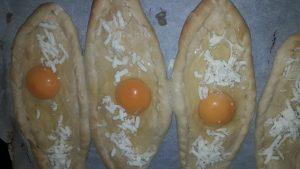 sade pide tarifi-yumurtalı pide
