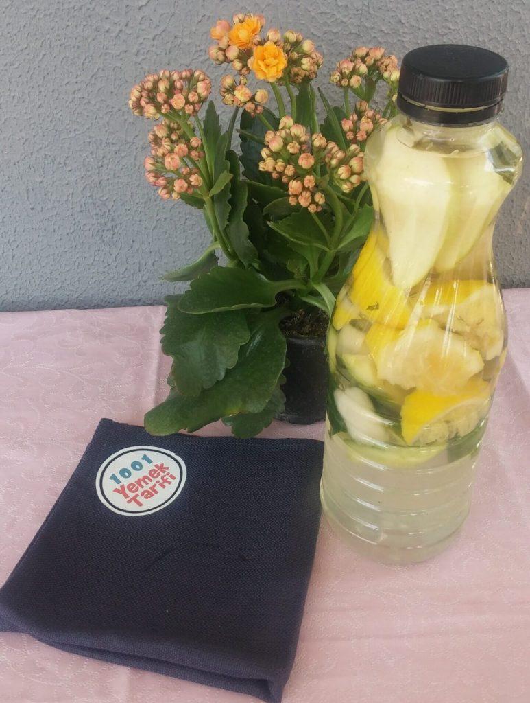 Haftada 3 Kilo Verdiren Detoks Suyu-elmalı-kiraz saplı-salatalıklı-limonlu zayıflatan içecek