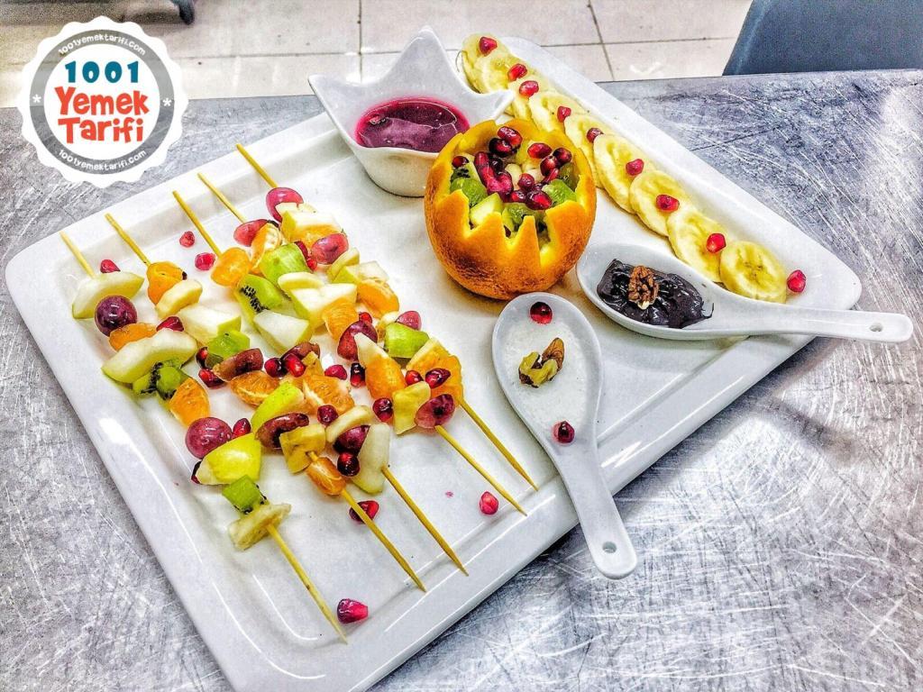 Meyve tabağı tarifi-şişe geçirilmiş meyveler-meyve salatası