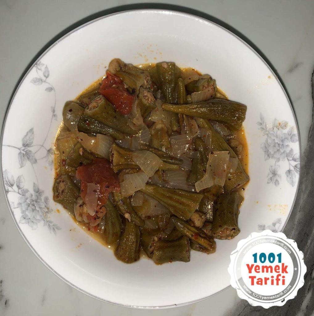 Kuru Domatesli Kuru Bamya Tarifi (Zeytinyağlı) yapımı nasıl yapılır kaç kalori