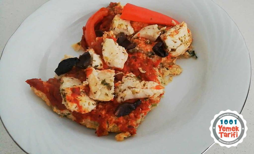 Diyet Pizza Tarifi: Karnabaharlı Tavuklu Pizza