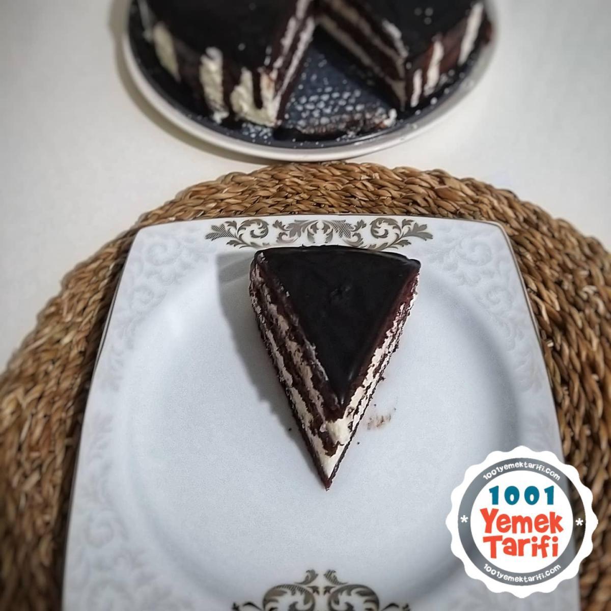 Keki Fırında Pişmeyen 3 Katlı Çikolatalı Pasta Tarifi-nasıl yapılır-ev yapımı pasta