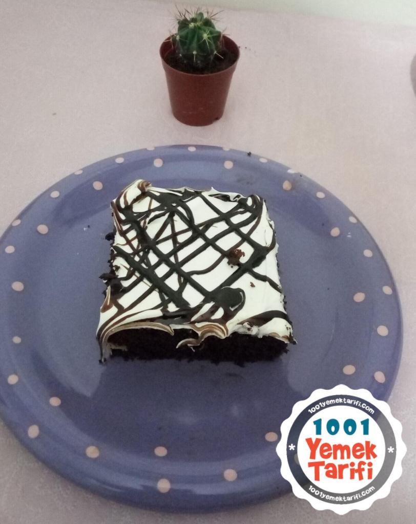 Ev Yapımı Çikolatalı Pasta Tarifi