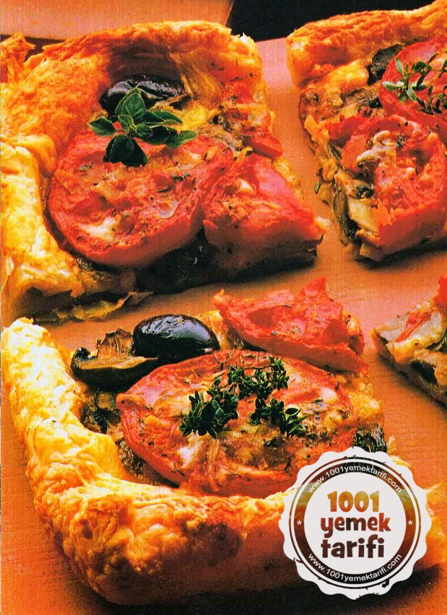 Nefis Pizza Tarifi-Evde Pizza Hamuru ve Domatesli-Mantarli-Pizza Yapimi-nasil yapilir-kac kalori-1001yemektarifi