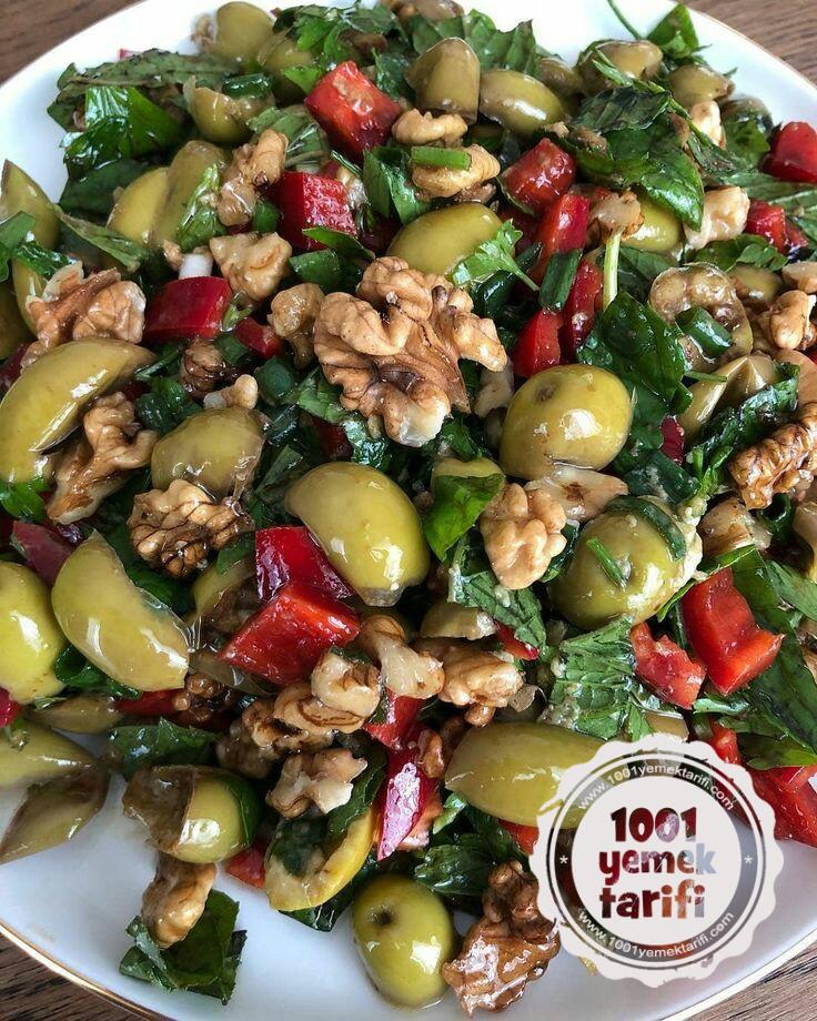 Hatay Usulü Nefis Yeşil Zeytin Salatası tarifi