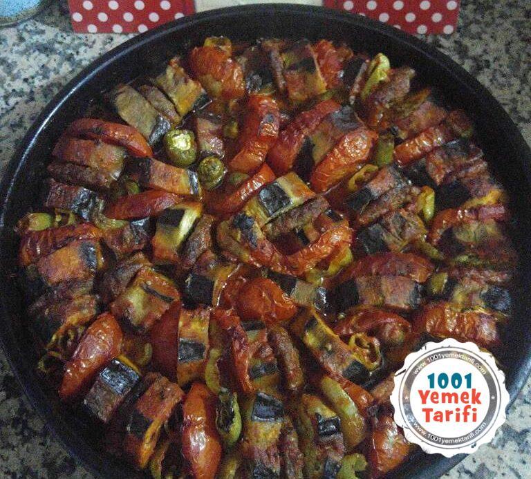 Fırında Patlıcan Kebap Tarifi-patlican kababi yapımı-nasıl yapılır-kaç kalori