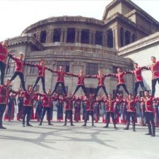 Danças folclóricas tradicionais armênias incluem criações da Diáspora