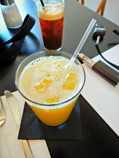 pineapple smoothie 2