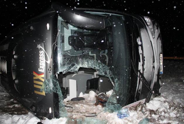 Туристический автобус попал в аварию под Выборгом