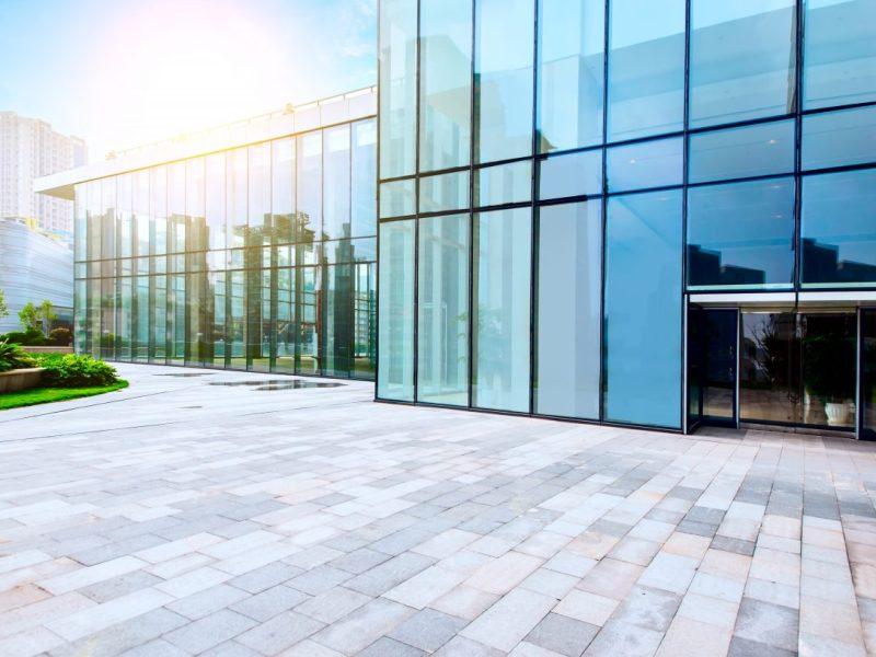 prédio-com-vidros