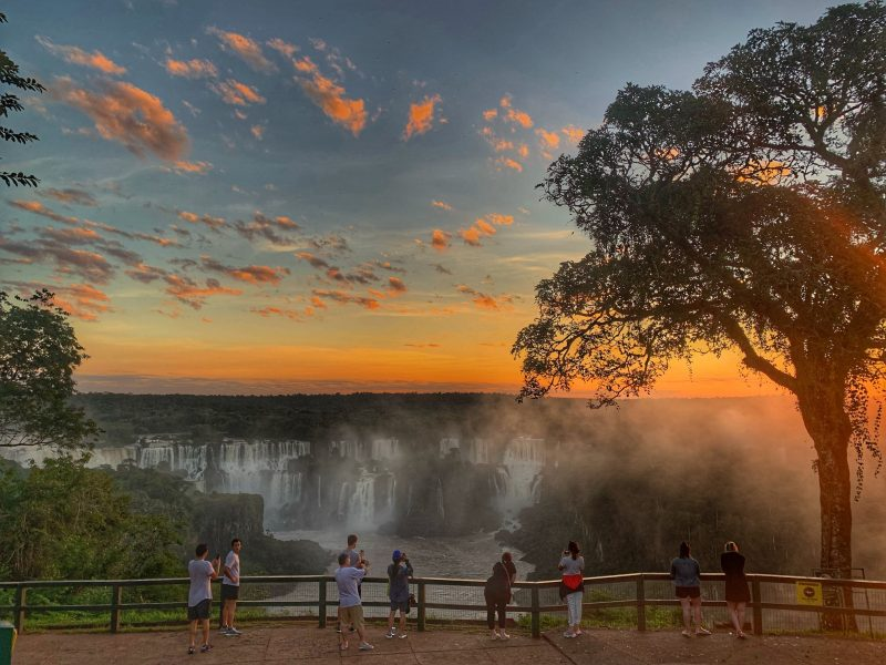 cataratas por do sol
