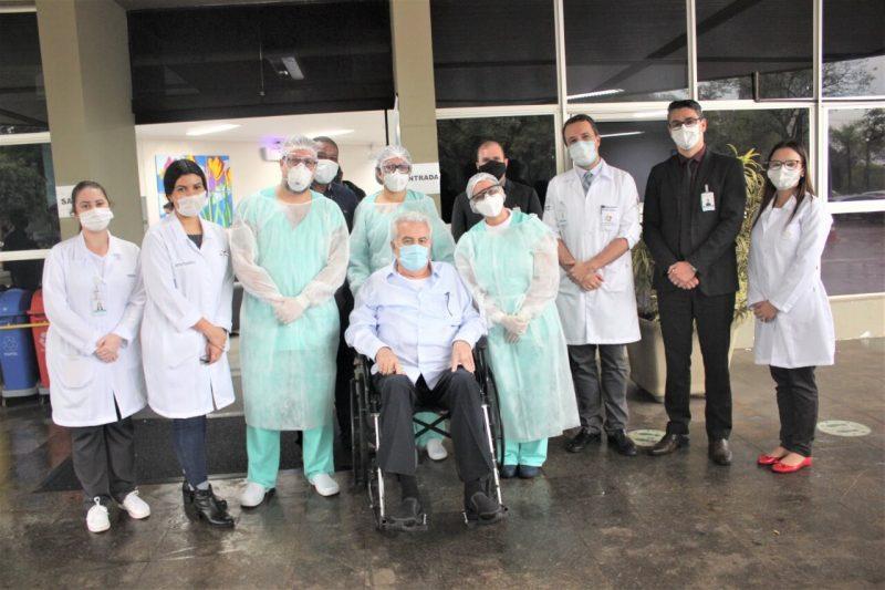 paciente-empresario-recebe-alta-covid-19-foz-hospital-costa