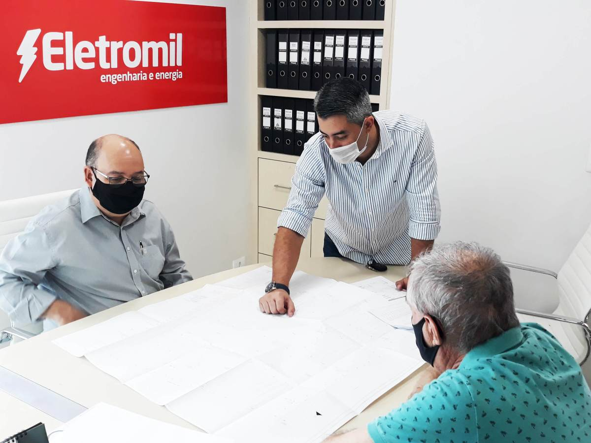 primeiro-bairro-cabeamento-subterrâneo-eletromil-foz-Paraná