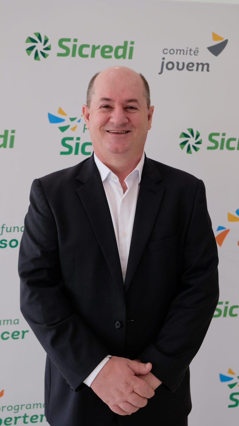 Aldo Dagostim presidente do Sicredi