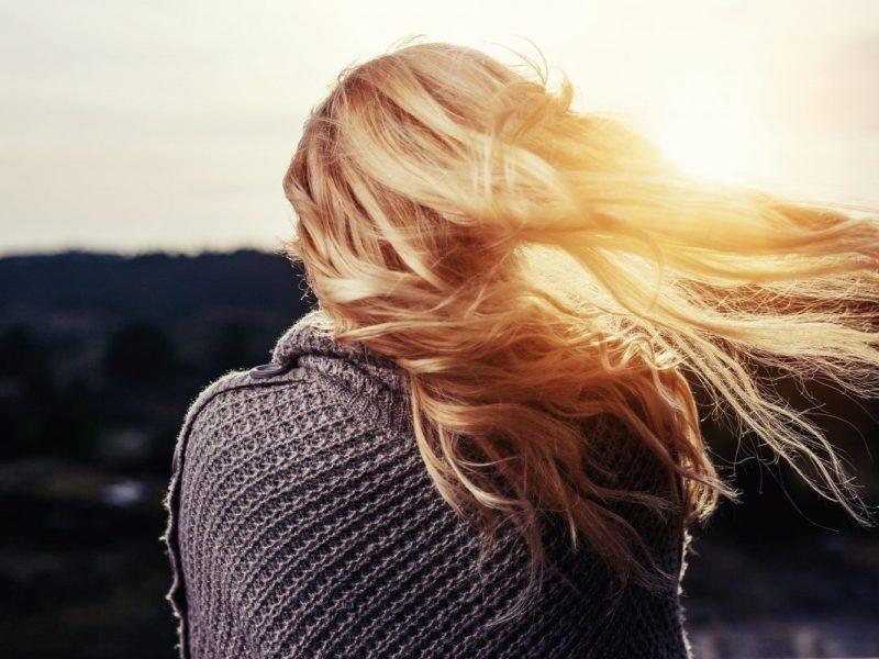 loira-iluminada-cabelo