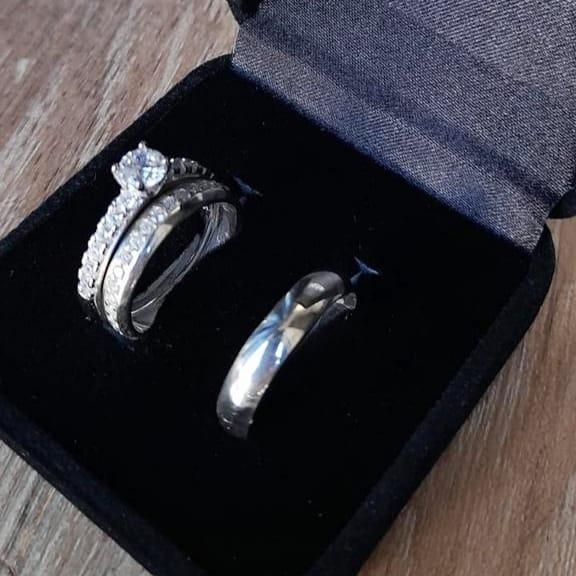 Kit aliança de compromisso mais anel solitário na prata 925