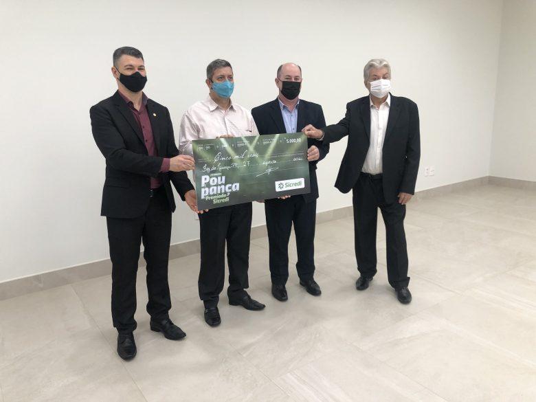 Ganhador do prêmio de 5 mil reais Sicredi