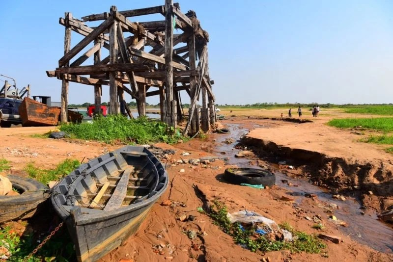 Seca rio Paraguai.