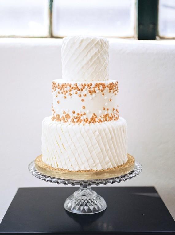 Gold Wedding Cake Wedding Amp Party Ideas 100 Layer Cake