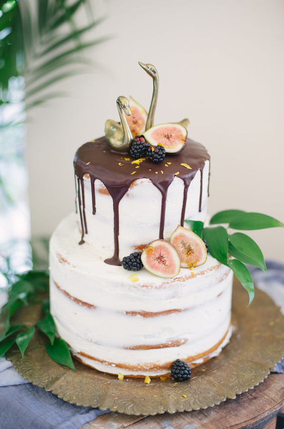 drip cake with figs  Wedding  Party Ideas  100 Layer Cake