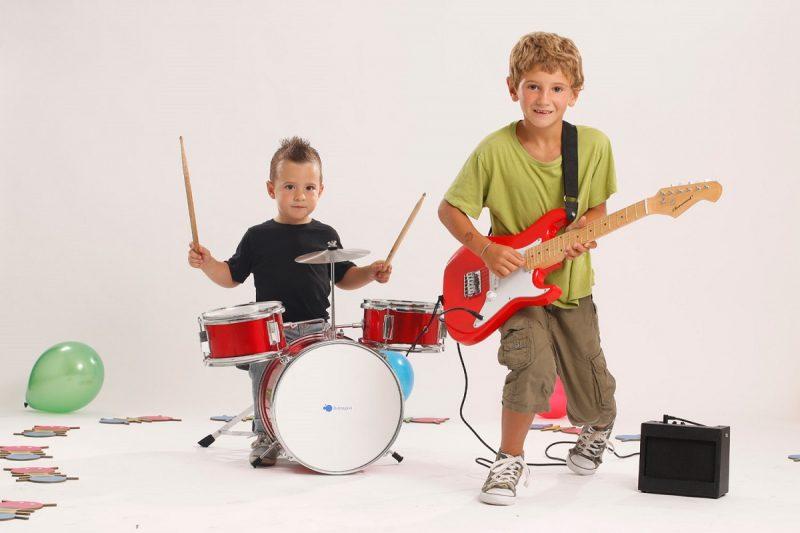 Las mejores guitarras eléctricas para niños【TOP 2020】