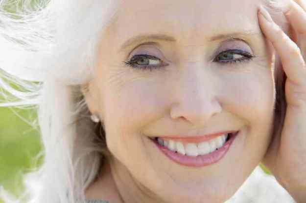 красивая женщина за 50