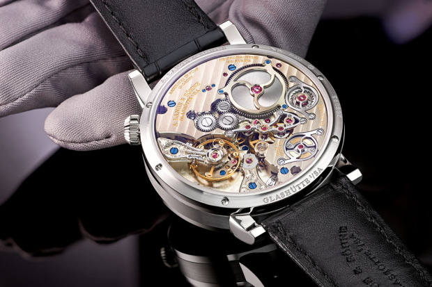 A-Lange-Zeitwerk-Minute-Repeater-Caseback-view-Perpetuelle-620x413[1]