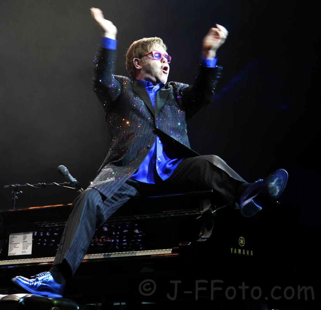 LIVE – Elton John, Perth WA – 12 November 2012