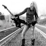 LITA FORD Premieres Video at USA TODAY