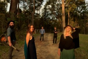 The Waifs Announce Ironbark 25th Anniversary Regional Tour An Evening With The Waifs